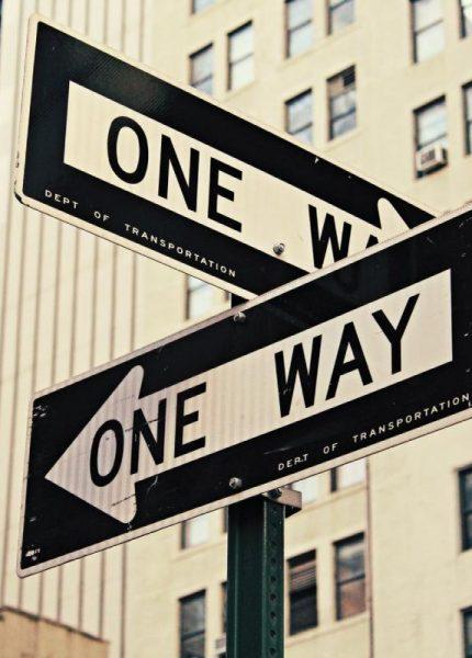 znaki droga jednokierunkowa