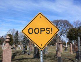 """znak z napisem """"oops"""""""